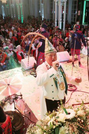 maedchensitzung-2015-karneval-koeln-flora-7