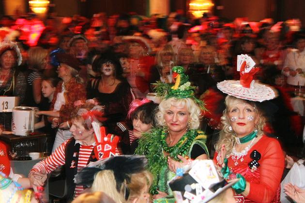 12-maedchensitzungen-karneval-koeln-lindenthal