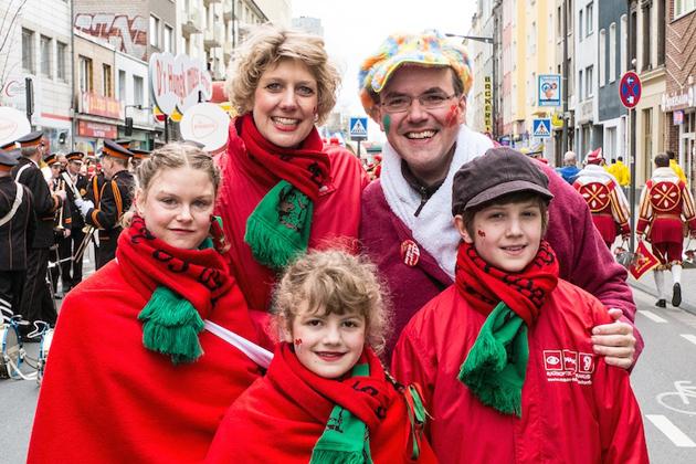 10-rosenmontagszug-karneval-koeln-lindenthal-cologne