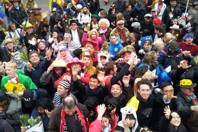 12-rosenmontagszug-karneval-koeln-lindenthal-cologne