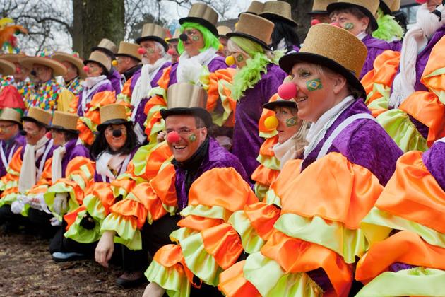 14-rosenmontagszug-karneval-koeln-lindenthal-cologne